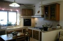 Cucina inserita in struttura muratura